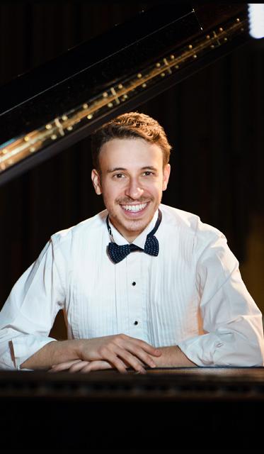 Pianista Pablo Rossi abrirá temporada da série Concertos Promenade 2017 em Curitiba