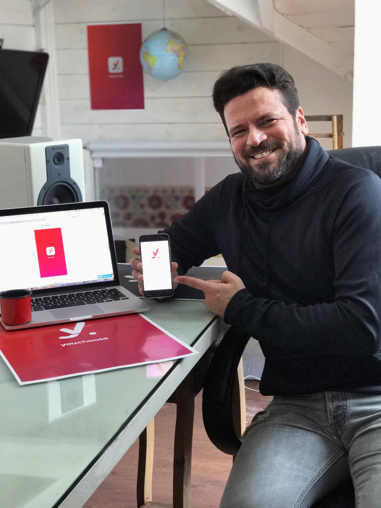 Curitibano lança aplicativo que permite criar enquetes nas redes sociais
