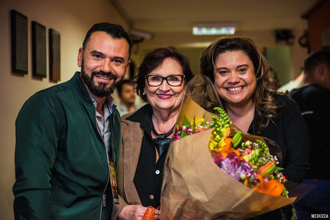 Dona Dea, a mãe que é uma peça, visita Curitiba e pergunta por Moro