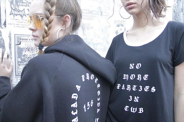 Marca de moda curitibana pega carona e lança coleção Balada Protegida