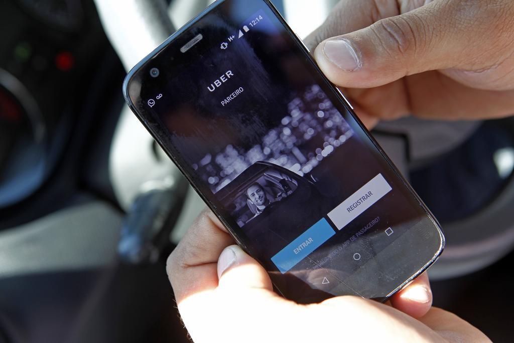 Uber fecha parceria com a dupla Atletiba para transportar torcedores