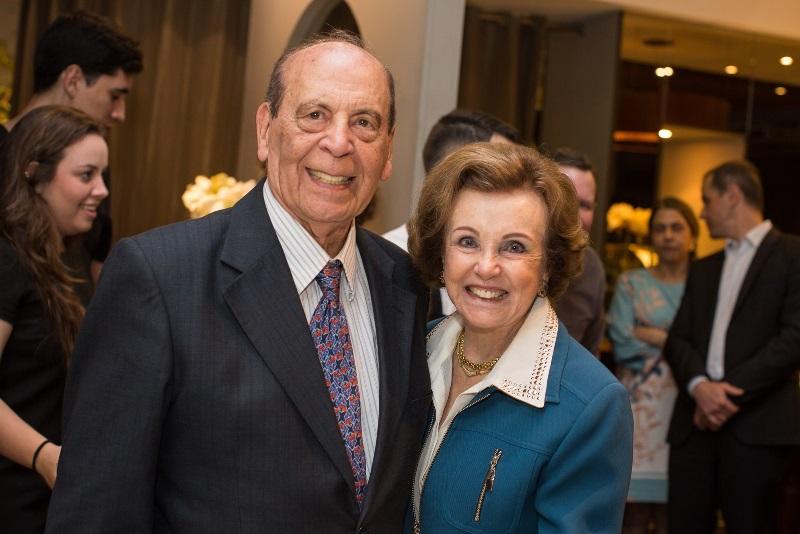 Professor Carlos Moreira festeja 86 anos em plena atividade