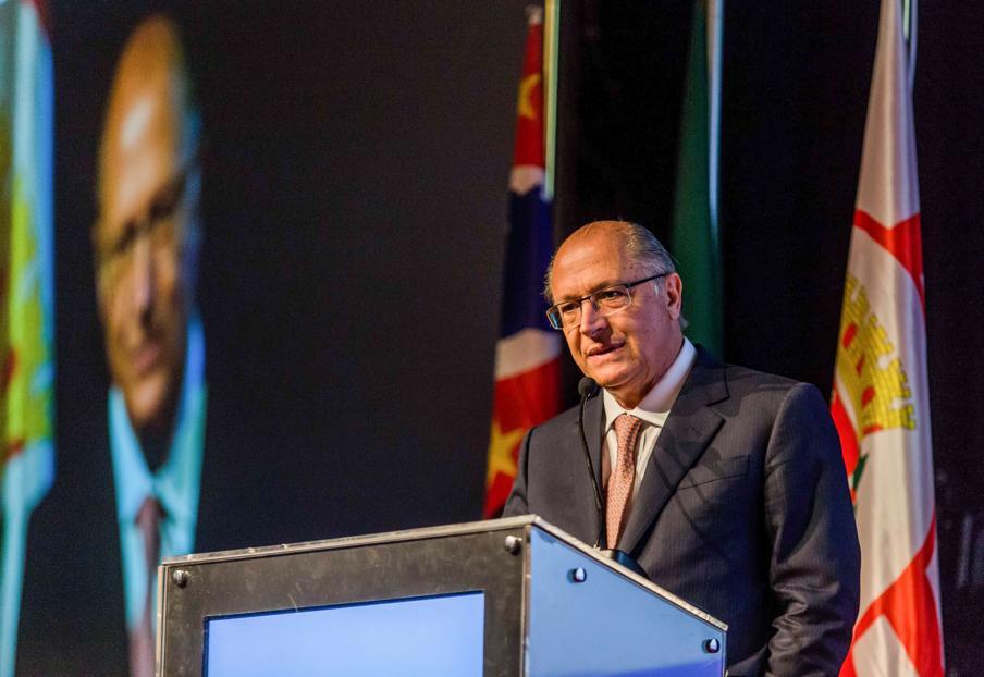 Alckmin faz exigências franciscanas para vir a Curitiba