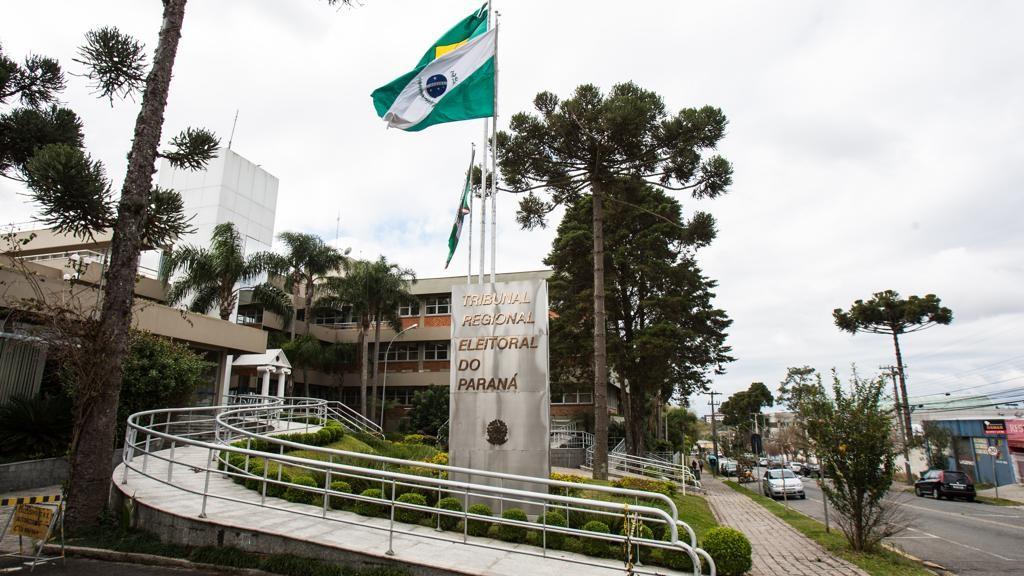 TRE homenageia ex-diretor da Gazeta do Povo