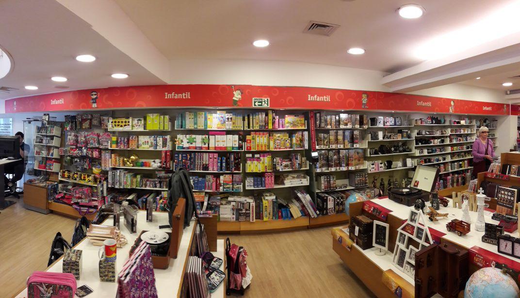Vinhos vão disputar espaço com livros em rede de livrarias do Paraná