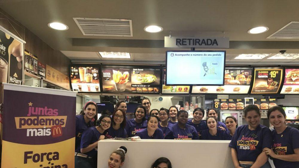 McDonald's coloca só mulheres para atender no Dia da Mulher