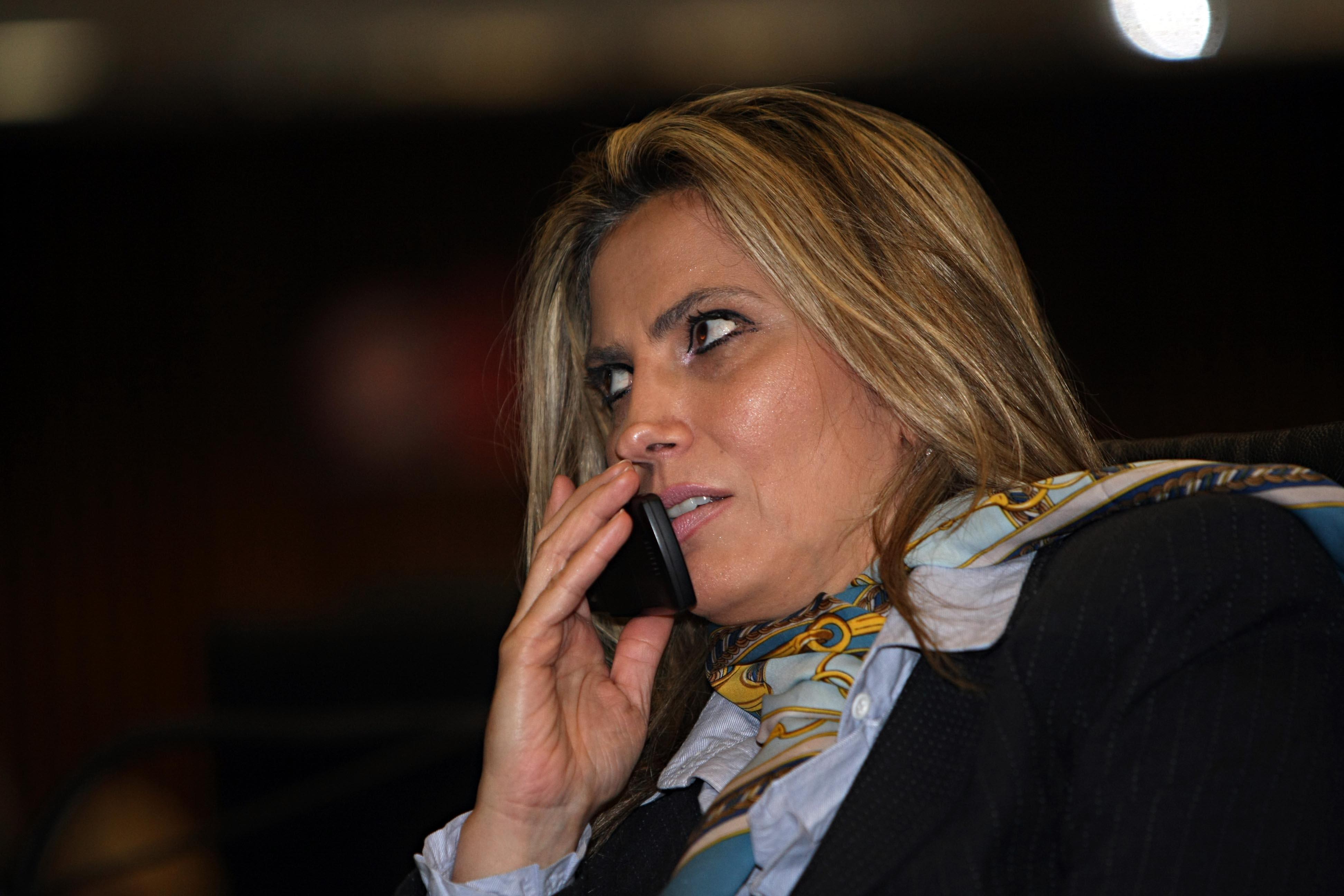 Vice-governadora Cida Borghetti tem celular clonado e amigos caem no golpe