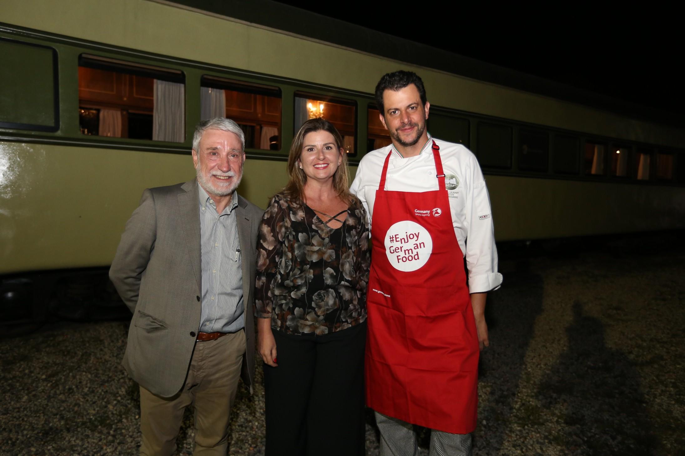 Centro turístico da Alemanha oferece jantar em trem de luxo de Curitiba