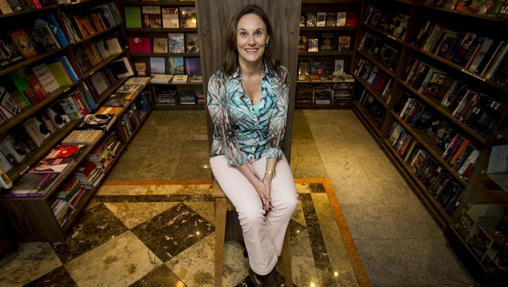 Escritora Luci Collin é favorita à Academia Paranaense de Letras