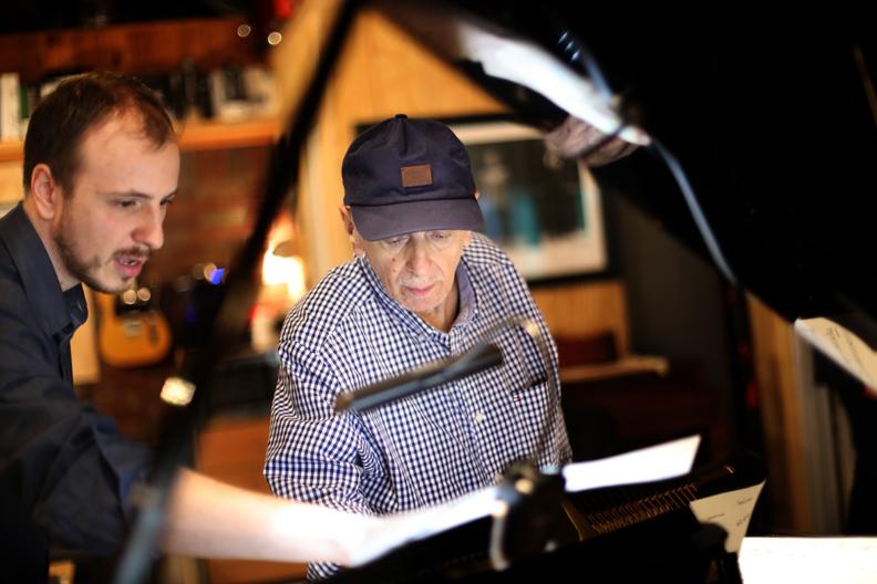 Músico paranaense grava álbum de jazz, samba e bossa nova em NY com nomes consagrados