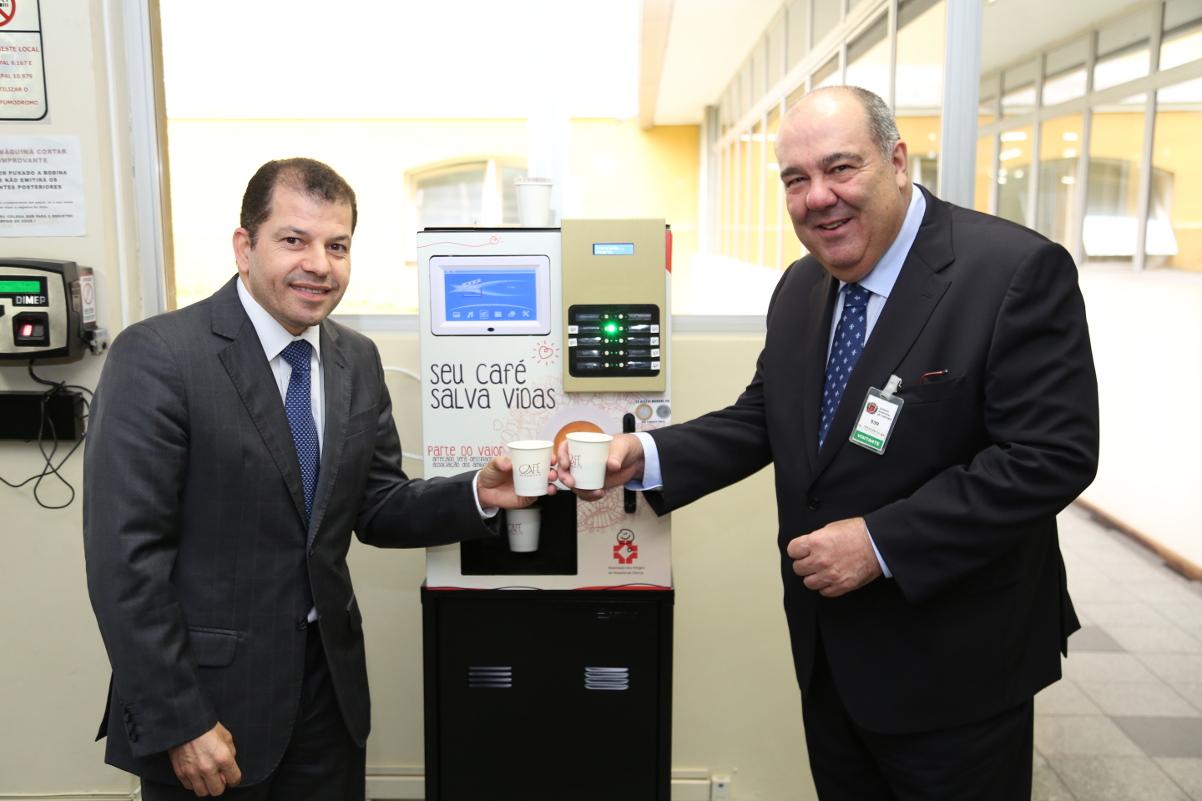 Cafezinho de órgãos públicos de Curitiba vai ajudar Hospital de Clínicas