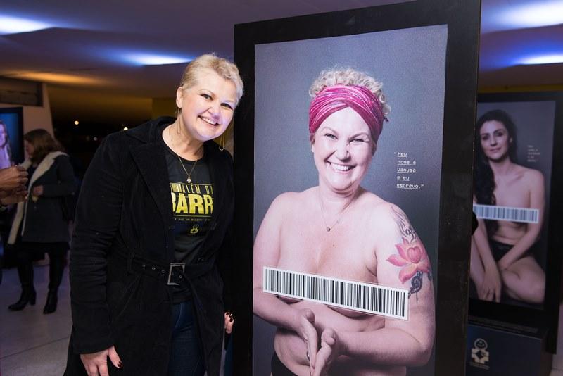 Exposição no MON mostra mulheres que superaram o câncer de mama