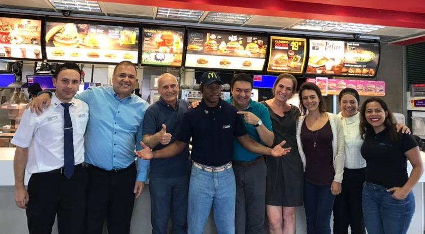 Haitiano de Curitiba vence concurso nacional do McDonald's