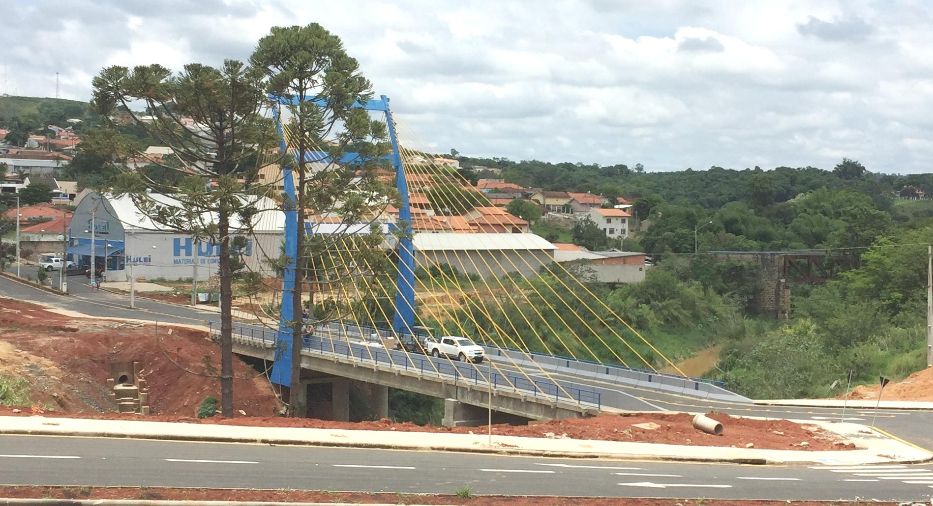 Cidade do interior do Paraná ganha ponte estaiada