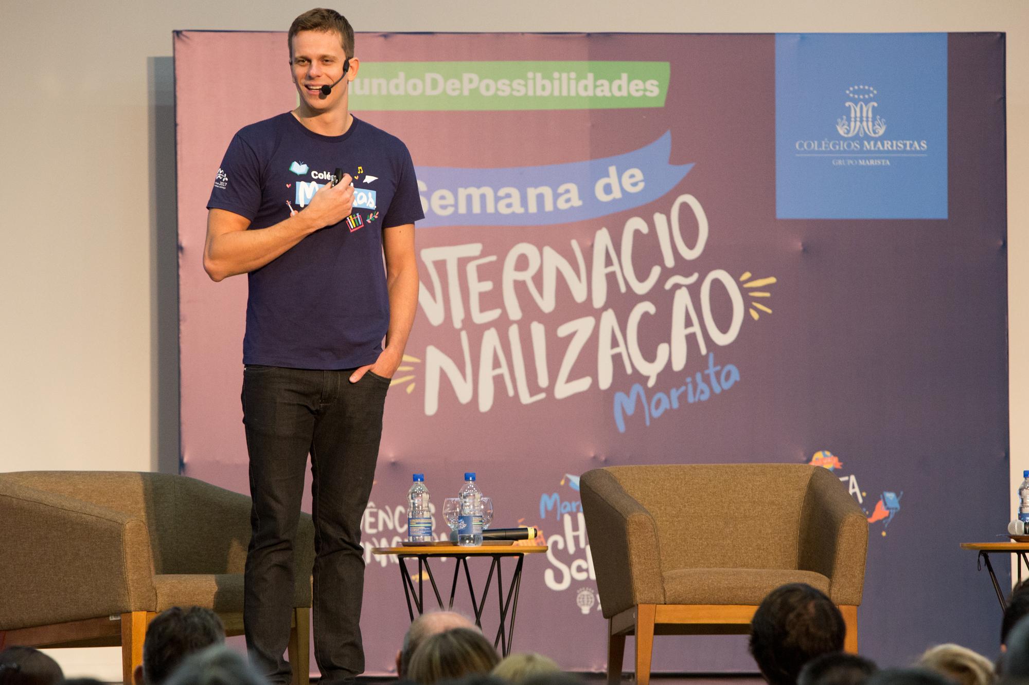 Cesar Cielo fala sobre experiências internacionais para estudantes em Curitiba