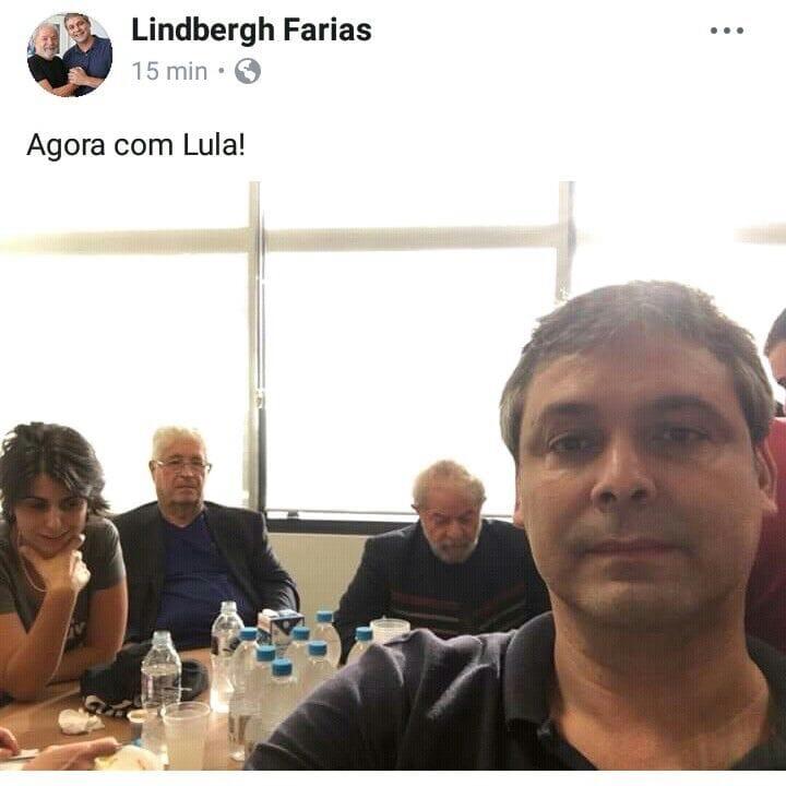 Requião dá apoio à resistência de Lula à ordem de prisão