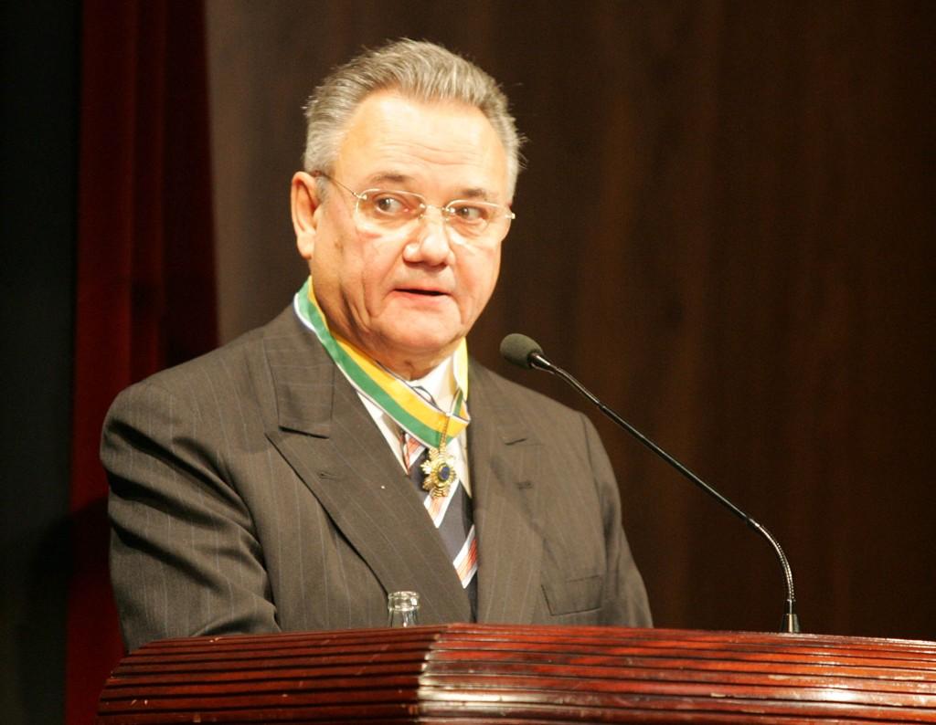 E Sérgio Prosdócimo foi embora sem ouvir as previsões de Henrique Meirelles