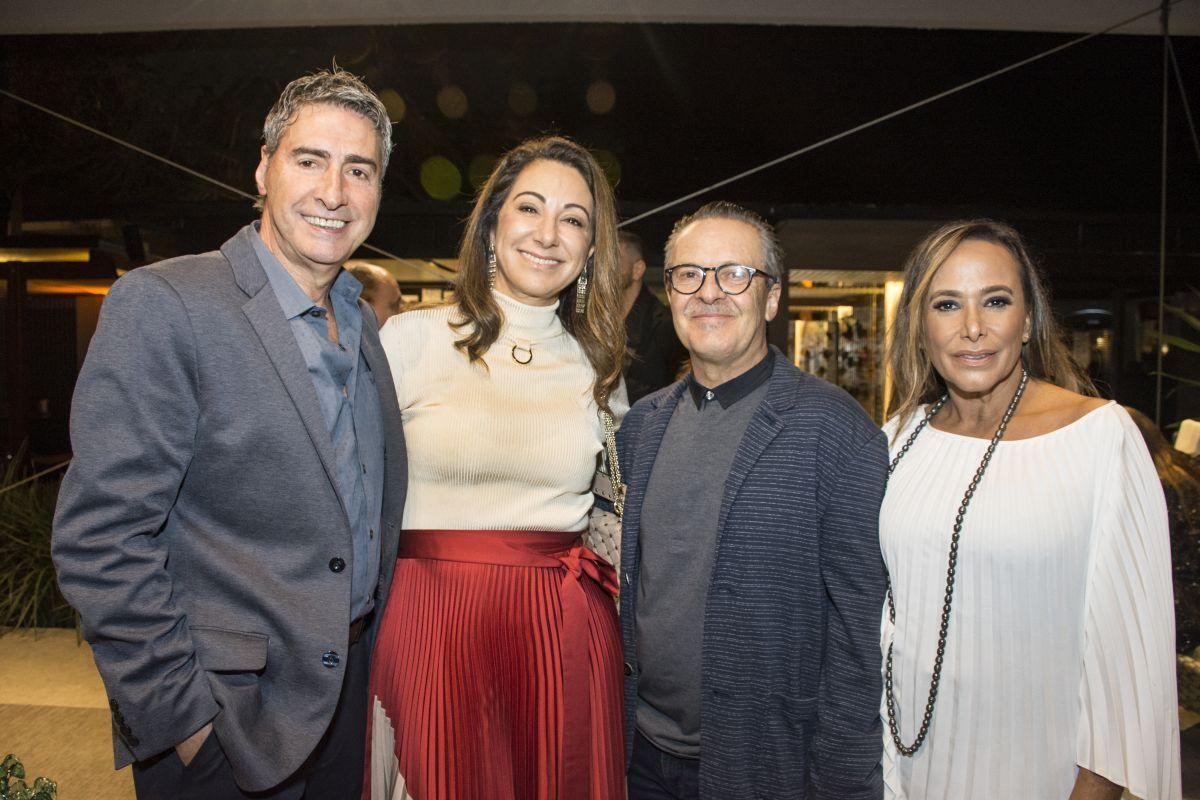 Os casais Mauro e Graziela Fuzzo e Angelo e Maria Augusta Volpi. Foto: Nay Klyn / Gazeta do Povo.