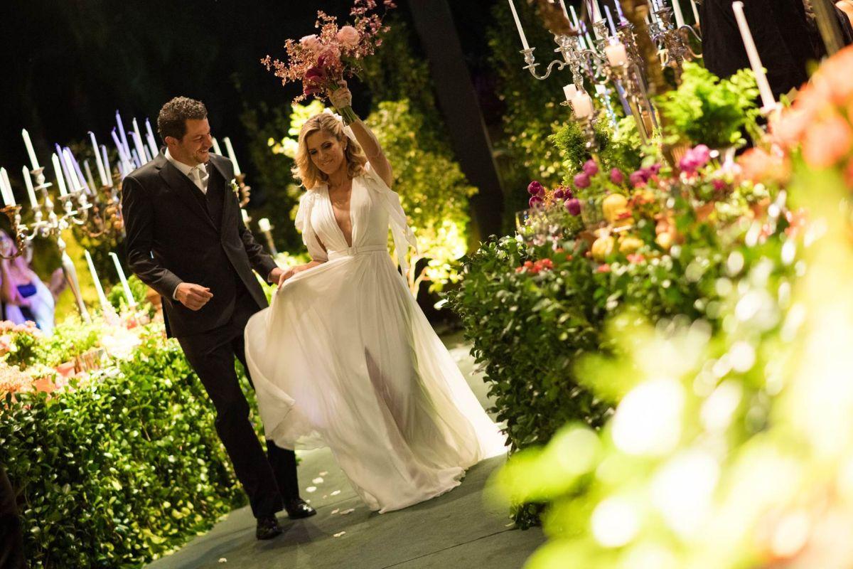 Beto Madalosso e Julia Loyola se casam em cerimônia budista