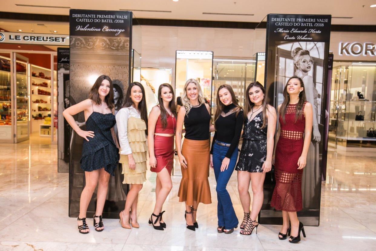 Debutantes do Première Valse ganham sessão de cinema exclusiva e exposição de fotos no Pátio Batel