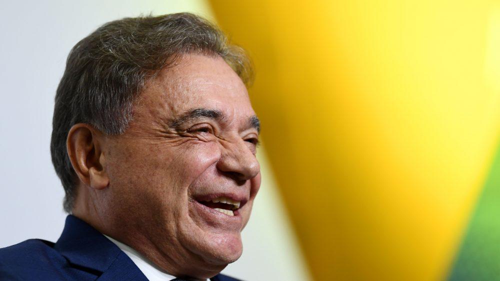 Enquanto Alvaro Dias quer trazer convenção nacional do Podemos para Curitiba, pré-candidatos criticam falta de comando do partido no estado
