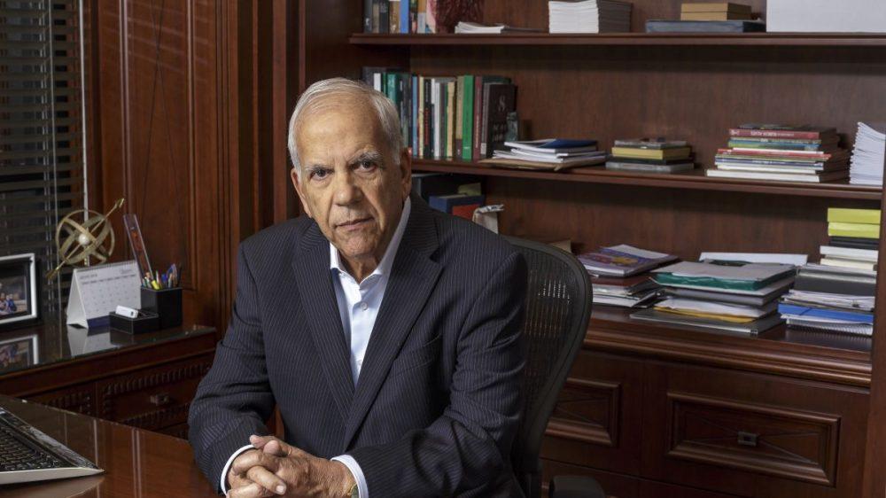 """""""O poder emana do povo, mas não está sendo usado em favor do povo"""", diz empresário ex-militante de esquerda e pré-candidato ao Senado pelo Paraná"""