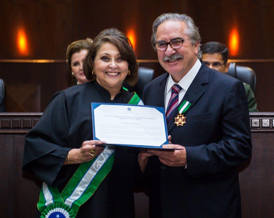 Ex-presidente da OAB-Paraná é homenageado no TRT-PR