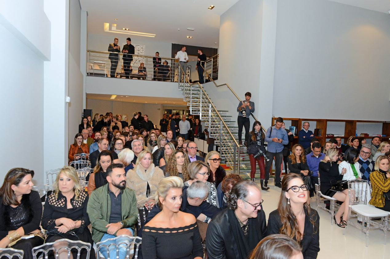 O leilão atraiu um grande público.