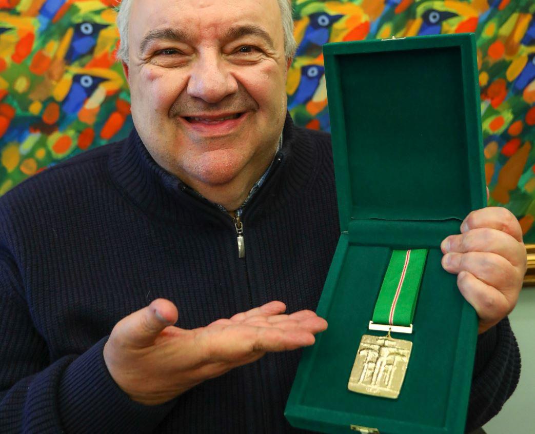 Greca institui medalha Ordem Municipal da Luz dos Pinhais de Curitiba, que será entregue anualmente