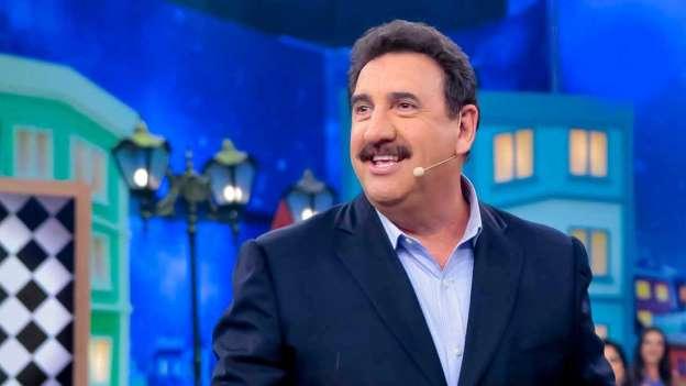 Ratinho (pai) será comendador da Associação Comercial do Paraná