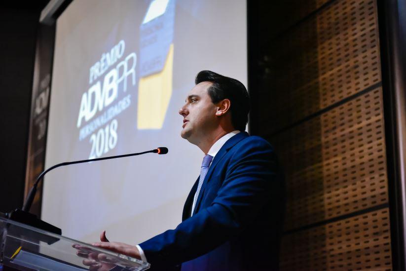 Ratinho Jr. faz sua pré-estreia como governador eleito em evento empresarial em Curitiba