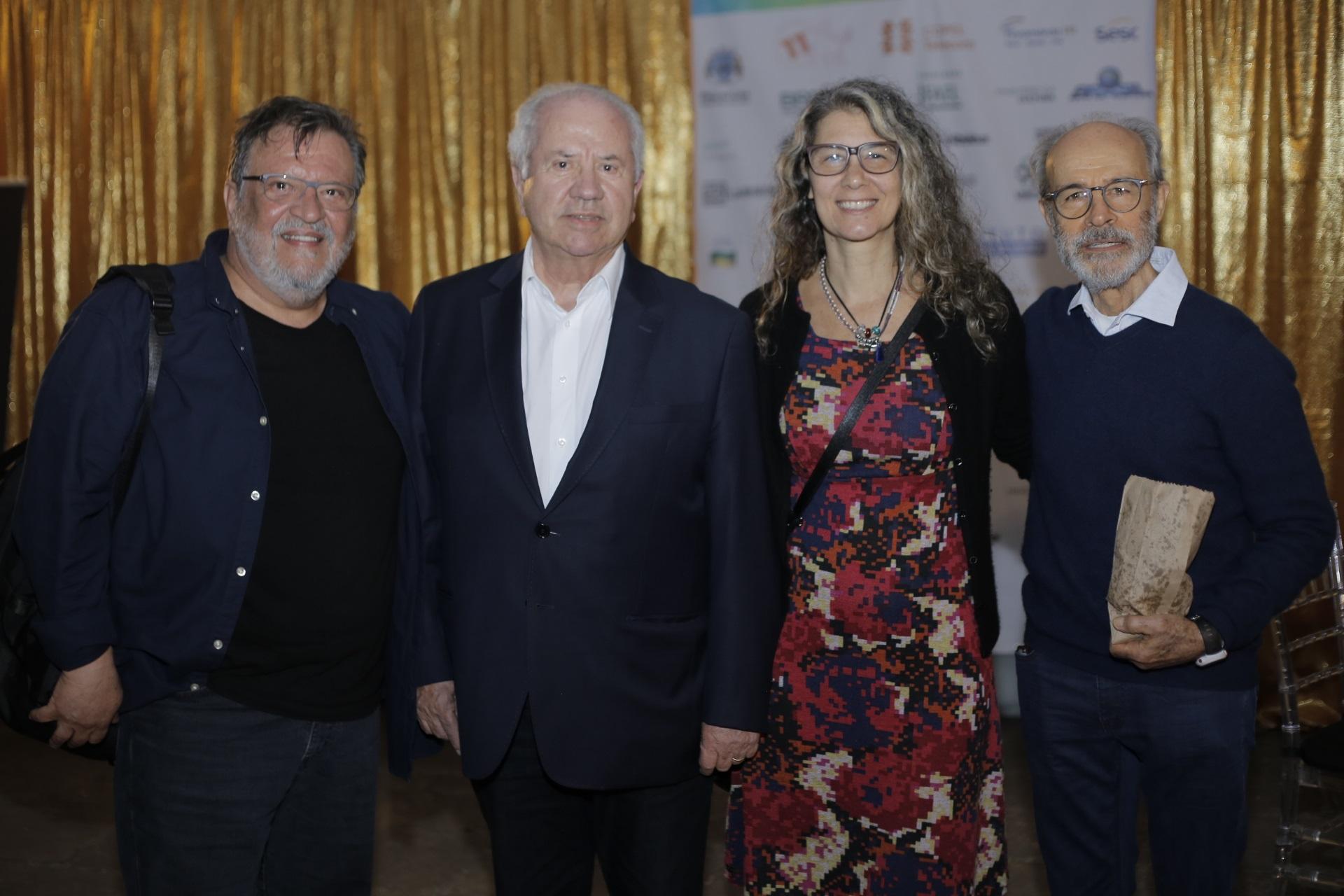 O ator Luis Melo, o ex-ministro Luiz Carlos Borges da Silveira e o casal Vânia Pacheco e Osmar Prado.