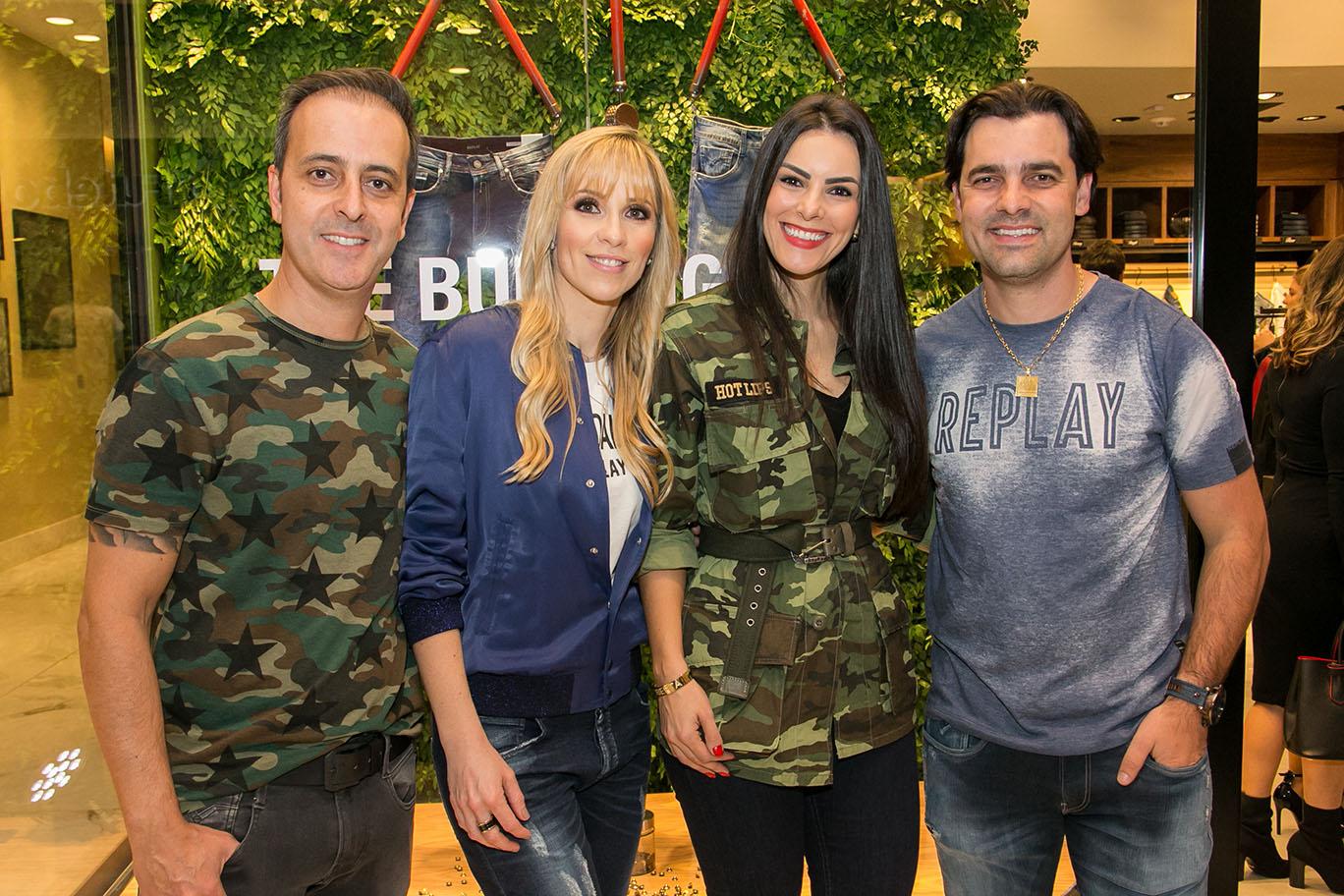 Rodrigo e Kristofer com as respectivas mulheres, Flavia e Roberta Florenzano.