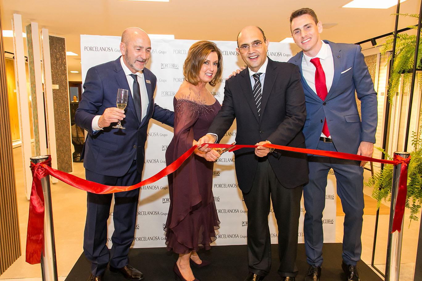 Grupo espanhol Porcelanosa inaugura em Curitiba seu primeiro showroom no Brasil, com jantar luxuoso