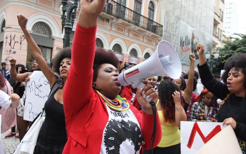Ato de racismo contra cantora curitibana fez surgir a Marcha do Orgulho Crespo, que chega à terceira edição