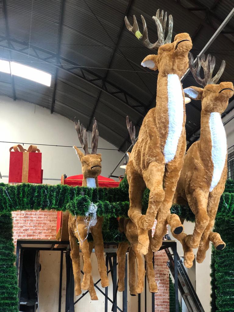 Exclusivo: Veja os carros alegóricos da Parada de Natal de Curitiba, que estreia na próxima terça-feira