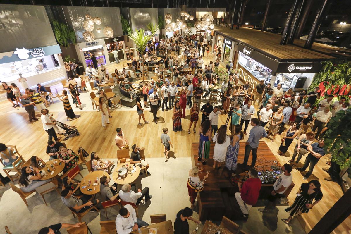 Souq Curitiba, o novo polo gastronômico da cidade, já está funcionando