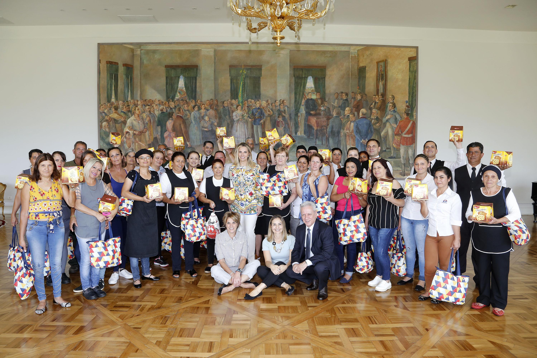 Cida Borghetti reúne funcionários do Palácio Iguaçu para encontro de Natal