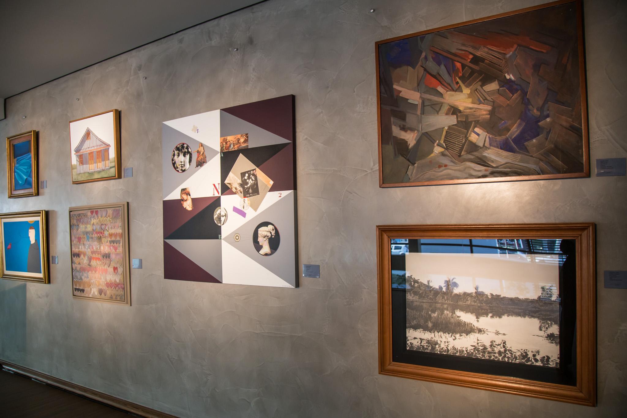 A mostra reúne obras de dez artistas amigos de Zimmermann.