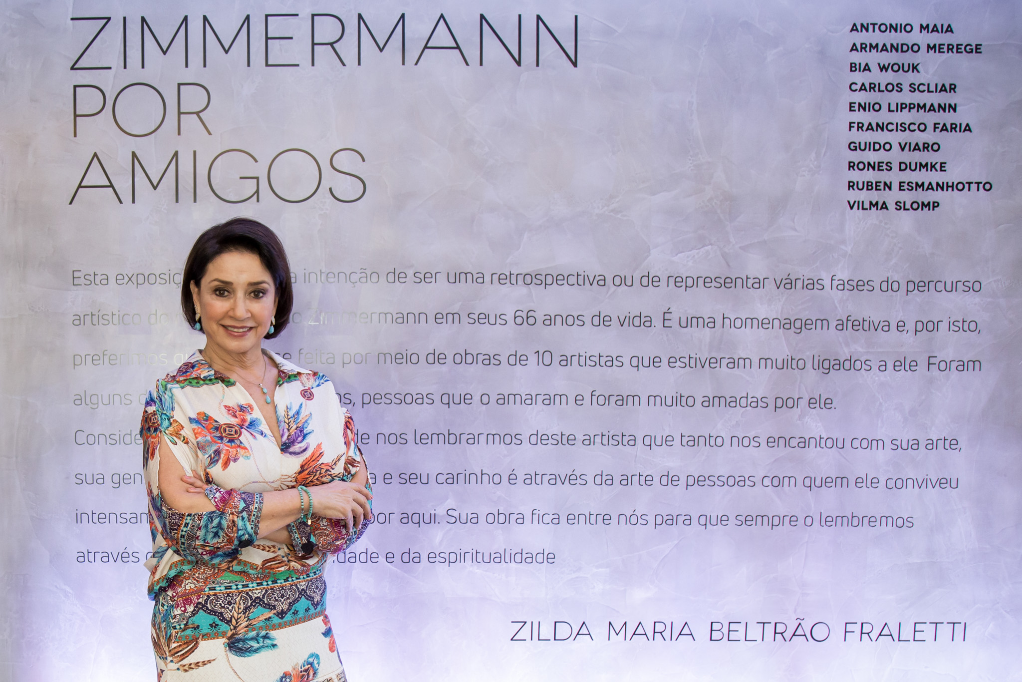 A galerista Zilda Fraletti, curadora da exposição Zimmermann por Amigos. Fotos: Cintya Hein