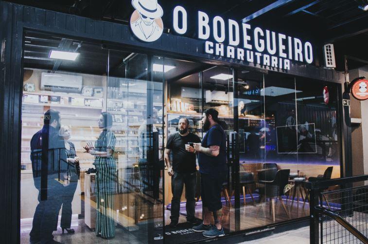Charutarias ganham espaço em Curitiba com duas novas lojas